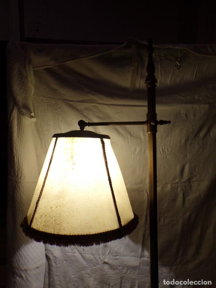 Vintage: LAMPARA DE BRONCE DE PIE VINTAGE REGULABLE EN ALTURA FUNCIONANDO - Foto 2 - 221752052
