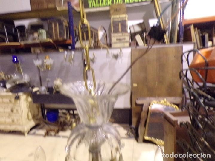 Vintage: preciosa lampara palaciega funcionando en muy buen estado bronce cristal lagrimas 5 luces - Foto 12 - 221894831