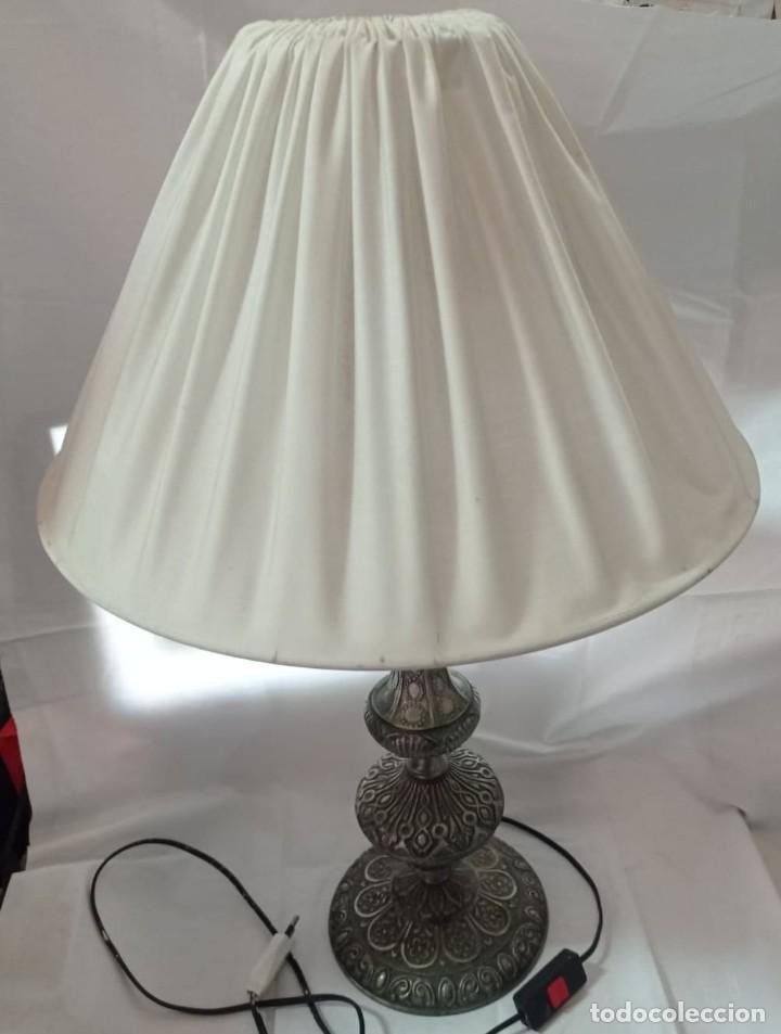 Vintage: LAMPARA SOBREMESA DE CALAMINA + PANTALLA - Foto 5 - 267862089