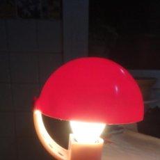 Vintage: ANTIGUA LAMPARA DE PINZA PLASTICA TIPO SETA.LUMINAIRES NF. CLASSE II. RETRO VINTAGE AÑOS 80?. Lote 230059395