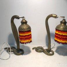 Vintage: ANTIGUA PAREJA DE LAMPARAS DE SOBREMESA EN FORMA DE SERPIENTE. 27CM. Lote 232423420