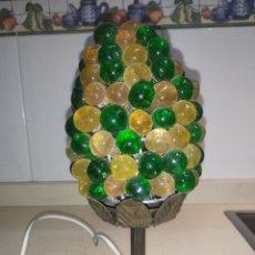 Vintage: PRECIOSA LAMPARILLA ANTIGUA DE COBRE Y CRISTAL SOPLADO. Lote 233710395