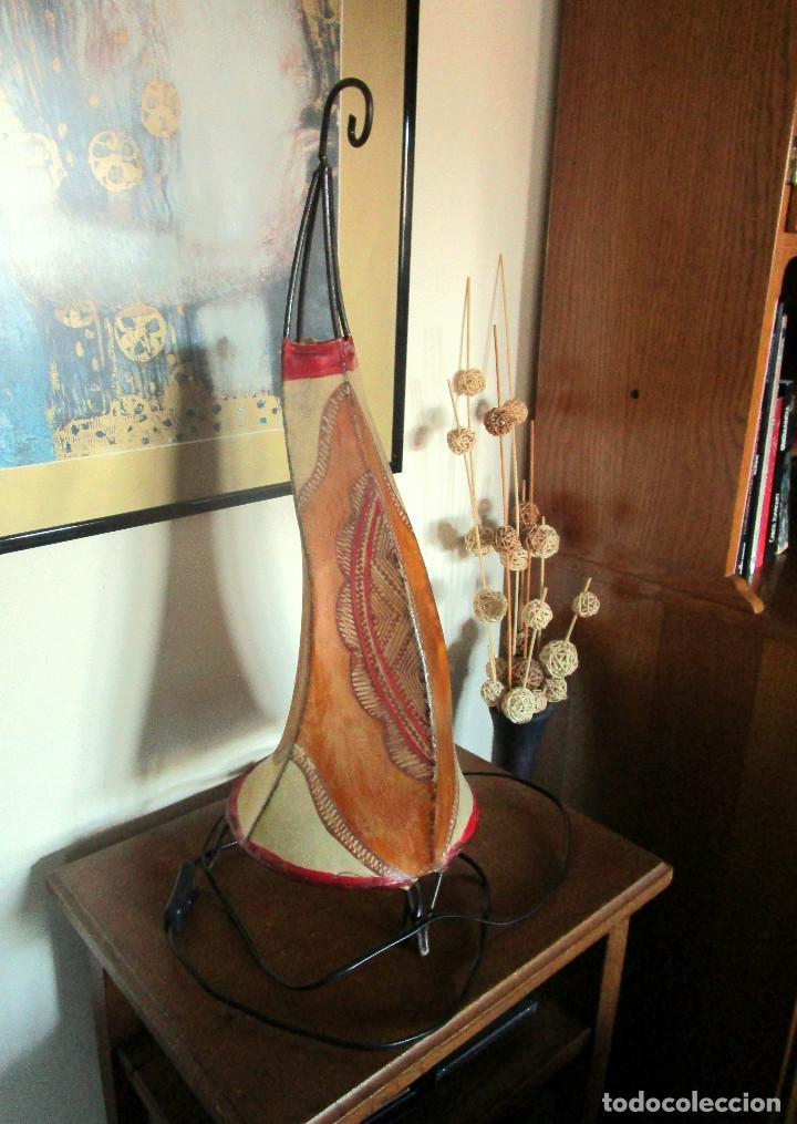 Vintage: MAGNIFICA LAMPARA DE MESA ARABE MARROQUI ETNICA DE PIEL Y FORJA - Foto 2 - 234916520