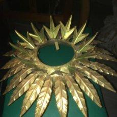 Vintage: LAMPARA APLIQUE DE TECHO GIRASOL SOL , DORADO. MIDE 35 X 22 CMS.. Lote 235261445
