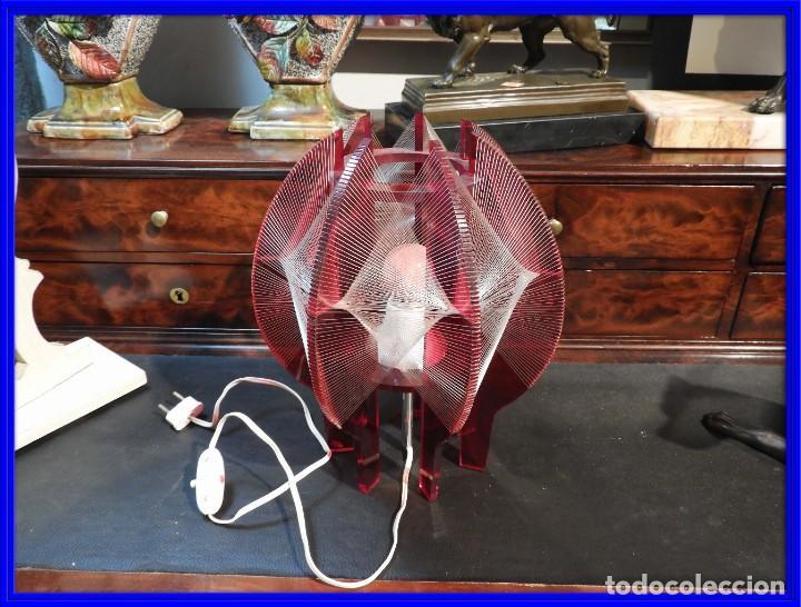 PRECIOSA LAMPARA VINTAGE EN COLOR ROJO (Vintage - Lámparas, Apliques, Candelabros y Faroles)