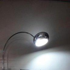 Vintage: LAMPARA FASE ARCO DE PIE MOD. SAUCE MINOR DE LOS AÑOS 70 CROMADA. Lote 237302780