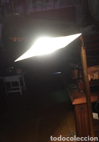 Vintage: Lámpara de pie de latón - Foto 3 - 239361865
