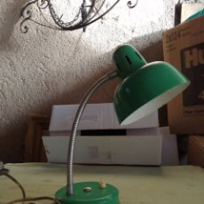 Vintage: LÁMPARA SOBREMESA EN ALUMINIO Y HIERRO. Lote 246123465
