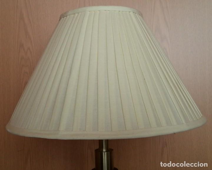 Vintage: Lámpara de mesa. Mástil de mármol. Años 70. - Foto 2 - 253436070