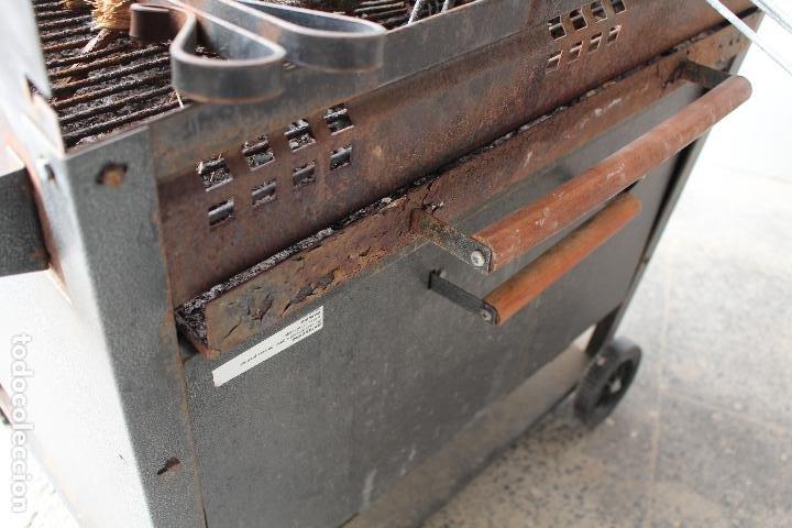 Vintage: barbacoa con ruedas - Foto 3 - 254484710