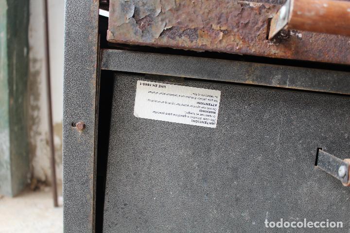 Vintage: barbacoa con ruedas - Foto 4 - 254484710