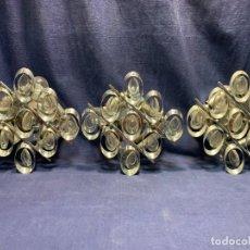 Vintage: TRES APLIQUES METAL CROMADO PANDELOCAS AÑOS 60 70 21X23X10CMS. Lote 260701745