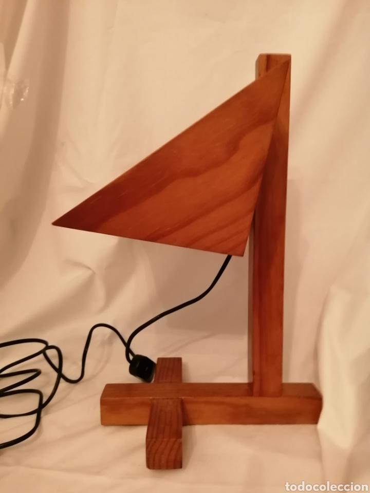 Vintage: Lámpara sobremesa en madera y rejilla hierro estilo Nórdico Escandinavo vintage años 70 - Foto 3 - 262065875