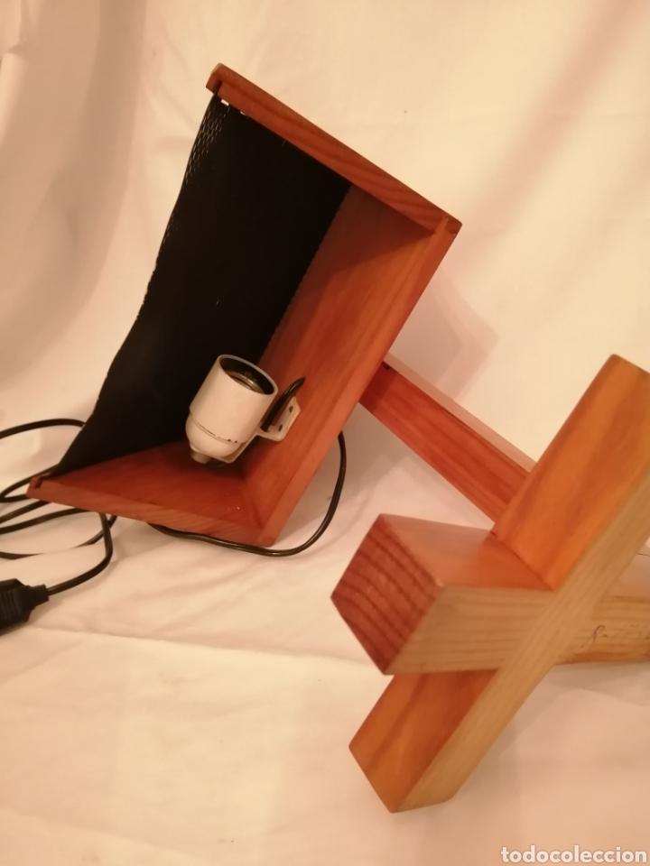 Vintage: Lámpara sobremesa en madera y rejilla hierro estilo Nórdico Escandinavo vintage años 70 - Foto 5 - 262065875