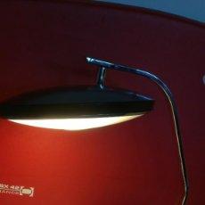 Vintage: LAMPARA FASE 520 C. COLOR NEGRO Y ACERO CROMADO. Lote 268758094