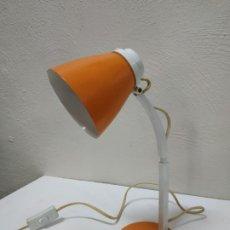 Vintage: BONITA Y ORIGINAL LAMPARA DE DISEÑO VINTAGE EN NARANJA BUTANO. FUNCIONANDO CORRECTAMENTE. FLEXO. Lote 268893814