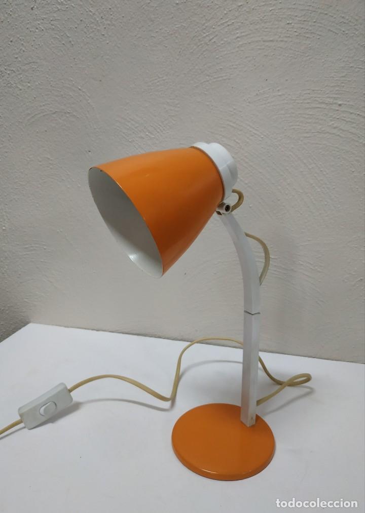 Vintage: Bonita y original lampara de diseño vintage en naranja butano. Funcionando correctamente. Flexo - Foto 2 - 268893814