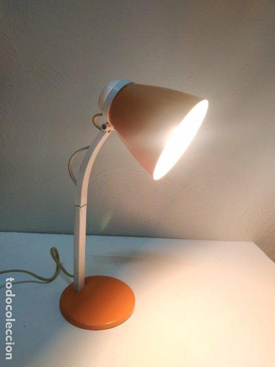 Vintage: Bonita y original lampara de diseño vintage en naranja butano. Funcionando correctamente. Flexo - Foto 4 - 268893814