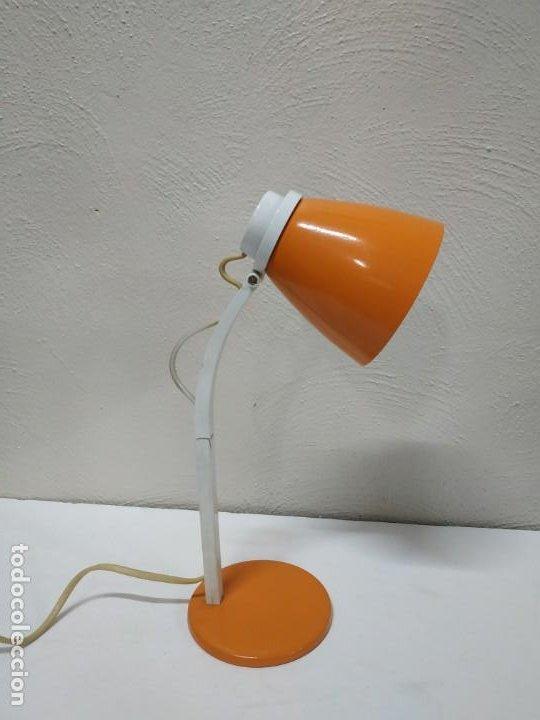 Vintage: Bonita y original lampara de diseño vintage en naranja butano. Funcionando correctamente. Flexo - Foto 5 - 268893814
