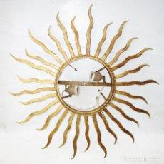Vintage: LAMPARA O ESPEJO TIPO SOL EN HIERRO DORADO TIPO VALLAURIS. Lote 289381963