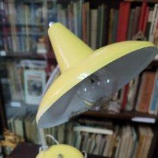 Vintage: ANTIGUO FLEXO LAMPARA SOBREMESA AMARILLO VINTAGE. Lote 292562083