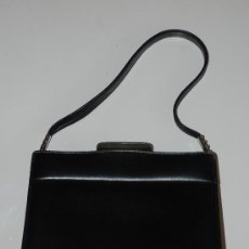 Vintage: BOLSO NEGRO DE PIEL AÑOS 60. Lote 26759849