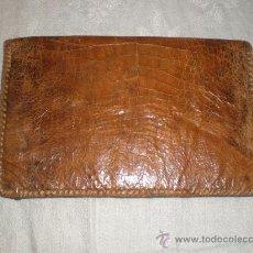 Vintage: CARTERA DE PIEL DE COCODRILO AÑOS 60. Lote 29544450