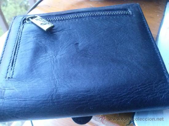 Vintage: Pequeña cartera de piel, de mujer. Amplio tarjetero; pequeño bolsillo trasero.11,9 x 9,9 cms. - Foto 8 - 33800161