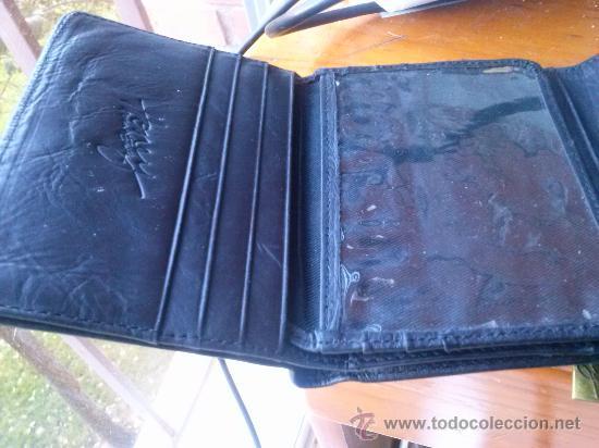 Vintage: Pequeña cartera de piel, de mujer. Amplio tarjetero; pequeño bolsillo trasero.11,9 x 9,9 cms. - Foto 7 - 33800161