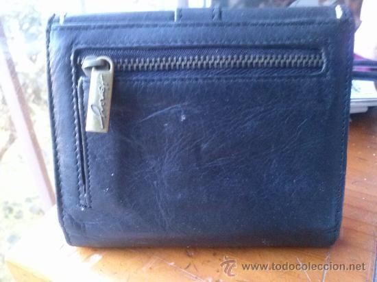 Vintage: Pequeña cartera de piel, de mujer. Amplio tarjetero; pequeño bolsillo trasero.11,9 x 9,9 cms. - Foto 9 - 33800161