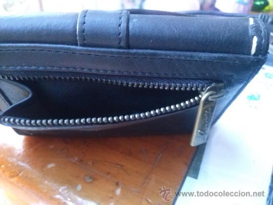 Vintage: Pequeña cartera de piel, de mujer. Amplio tarjetero; pequeño bolsillo trasero.11,9 x 9,9 cms. - Foto 11 - 33800161