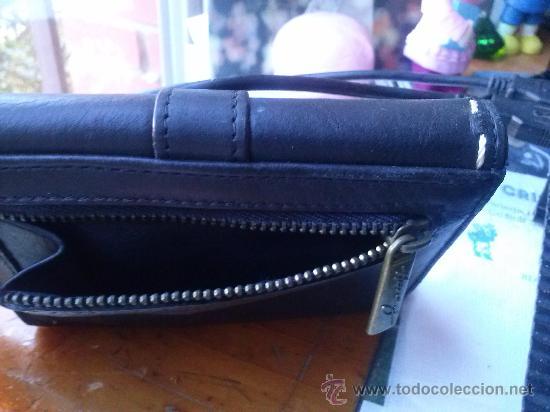 Vintage: Pequeña cartera de piel, de mujer. Amplio tarjetero; pequeño bolsillo trasero.11,9 x 9,9 cms. - Foto 12 - 33800161