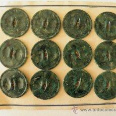 Vintage: CARTÓN CON 12 BOTONES ANTIGUOS DE 35 MM.. Lote 35186824