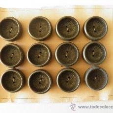 Vintage: CARTÓN CON 12 BOTONES ANTIGUOS DE 28 MM.. Lote 35193909