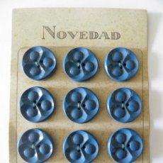 Vintage: CARTÓN NOVEDADON 12 BOTONES ANTIGUOS DE 28 MM.. Lote 35206697
