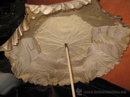 Vintage: Antigua sombrilla en seda con mango y puntera de marfil tallado y plegable.Preciosa talla - Foto 2 - 36438475