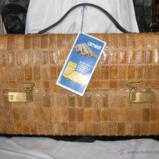 Vintage: MALETIN DE VIAJE EN LAGARTO (PIEL AUTENTICA DE REPTIL) CON CERRADURA AMIET CON CLAVE.. Lote 47202563