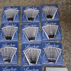 Vintage: PELUQUERIA 12 CARTONES CON CLIPS HORQUILLAS PELO SEÑORA MARCA LAURA AÑOS 50 EXCELENTE + INFO. Lote 48512108