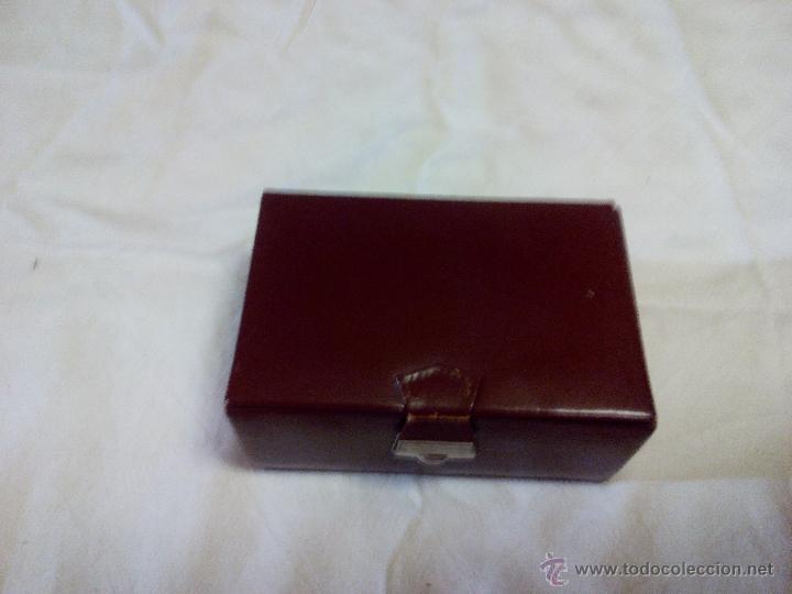 Vintage: Estuche de cuero marca bloch,con cepillo,lima y corta uñas. ideal pata viaje.Años 70 - Foto 4 - 49039477