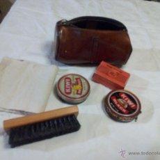 Vintage: ESTUCHE MARCA AMITY. CON ACCESORIOS PARA LA LIMPIEZA DEL CALZADO. ESTUCHE DE LOS AÑOS 50. Lote 49040071