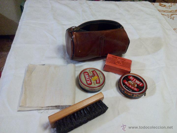 Vintage: Estuche marca amity. con accesorios para la limpieza del calzado. estuche de los años 50 - Foto 2 - 49040071
