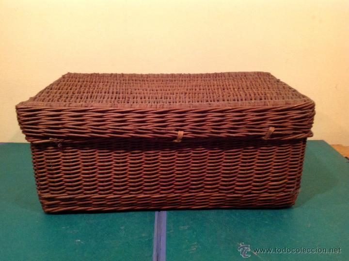 Vintage: Antigua cesta mimbre maleta original con cierre y agarradera original de época. - Foto 4 - 49304579