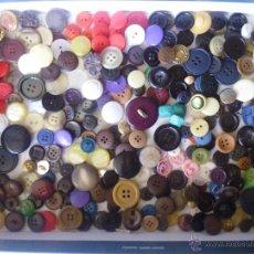 Vintage - BOTONES -lote de 300 BOTONES -VINTAGE - 54018107
