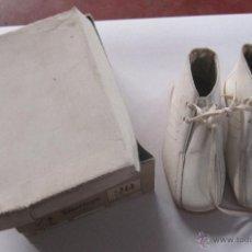 Vintage: ZAPATOS VINTAGE. ZAPATOS INFANTIL CON CAJA. BOTA. DE PIEL. AÑOS 50. VER FOTOS. VILLAROYA. Nº 20. Lote 54665128
