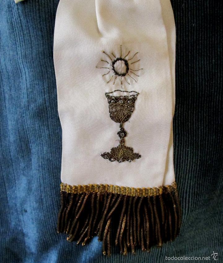 Vintage: Lazo de seda de 1ª Comunión bordado en oro y flecos. Años 1950 - Foto 2 - 147412254