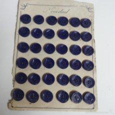 Vintage: BLISTER COMPLETO CON 36 BOTONES DE TIENDA DE CONFECCION FINAL DE LOS 50.. Lote 56859233