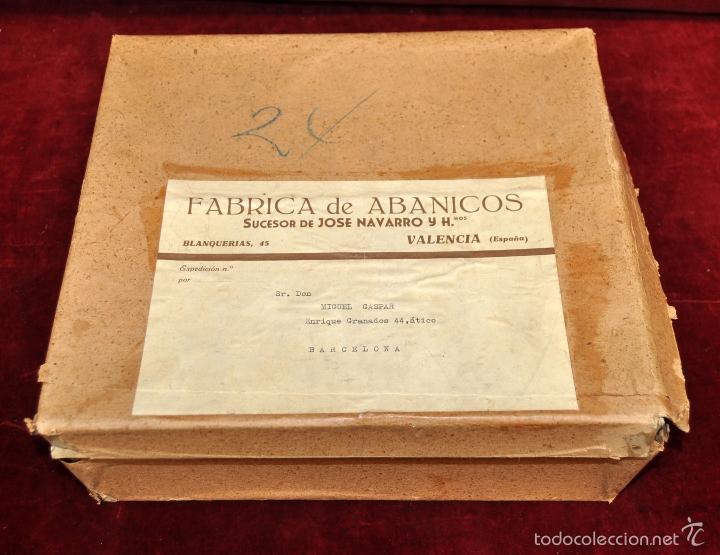 Vintage: LOTE DE 15 ABANICOS PAÍS PINTADOS A MANO SOBRE TELA, VARILLAJE DE MADERA. - Foto 10 - 58275254
