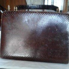 Vintage: ANTIGUO BOLSO DE PIEL DE SERPIENTE, AÑOS 50, MARRON.. Lote 58438883