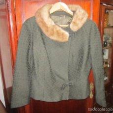 Vintage: CHAQUETA ENTALLADA, AÑOS 50, CON CUELLO DE VISÓN. TALLA 40-42. Lote 61091035