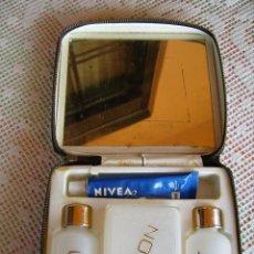 Vintage: **BONITO NECESER PARA CAMPO Y PLAYA CON UN TUBO DE-----NIVEA------(15 X 12 X 5 CM)**. Lote 61612320